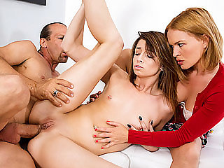 Teen chick Aspen Ora gets her tight..