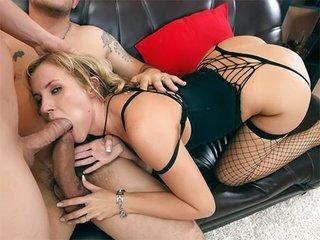 Dirty slut enjoys double penetration